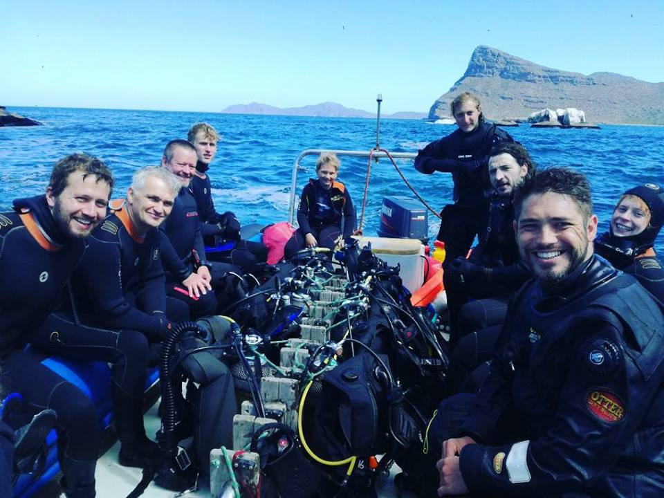 Cape Town Dive Center Team on a boat dive | EFR Care for Children